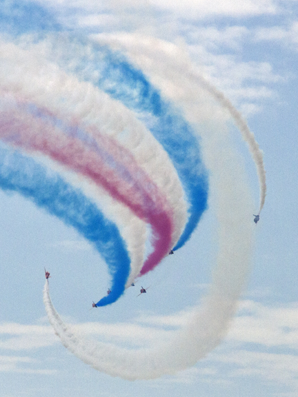 The Red Arrows arrive over Bournemouth beach on time to the second !