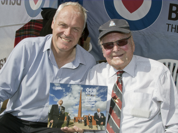 Bomber Command veteran Flt.Lt. George Dunn, DFC, with author and publisher Steve Darlow at the book signing.